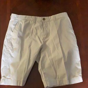 Tommy Hilfiger size 34 shorts
